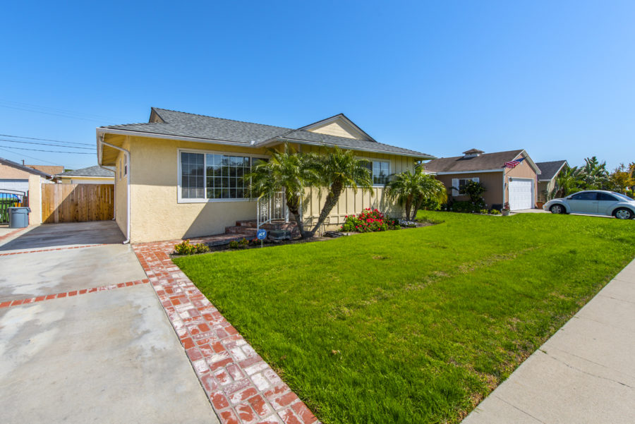 homes in lawndale ca